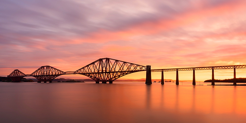 Forth Rail Bridge at sunrise, UNESCO World Heritage Site, Scotland, United Kingdom, Europe