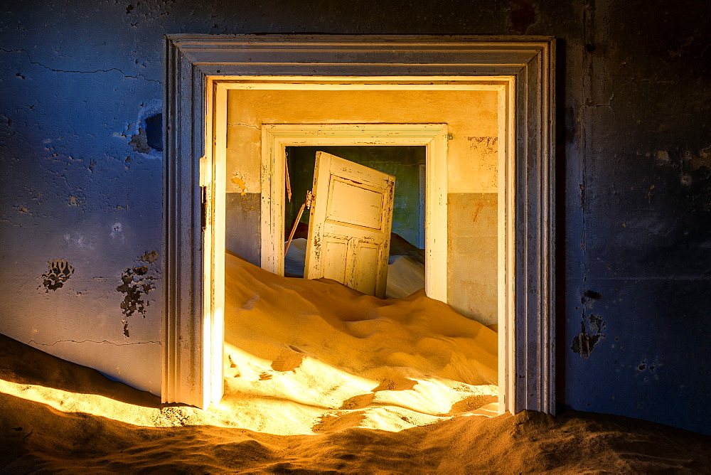 Building taken over by sand, former diamond mining town, now ghost town, Kolmanskop, Luderitz, Karas Region, Namibia, Africa