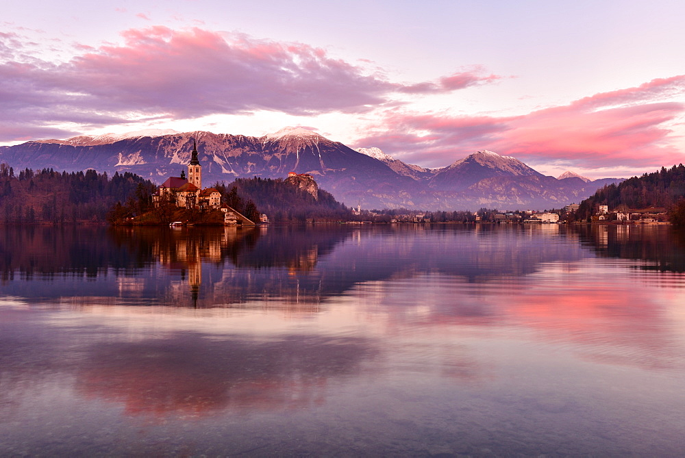 Lake Bled at sunset with Santa Maria Church (Church of Assumption), Gorenjska, Julian Alps, Slovenia, Europe