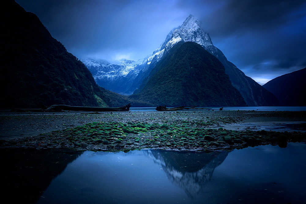 Milford Sound at twilight, Fiordland National Park, UNESCO World Heritage Site, South Island, New Zealand, Pacific - 1216-313