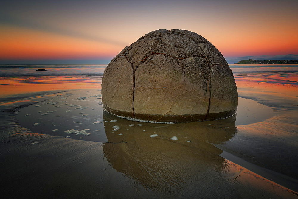 Moeraki Boulder at sunset, Koekohe Beach, Moeraki Peninsula, Otago, South Island, New Zealand, Pacific