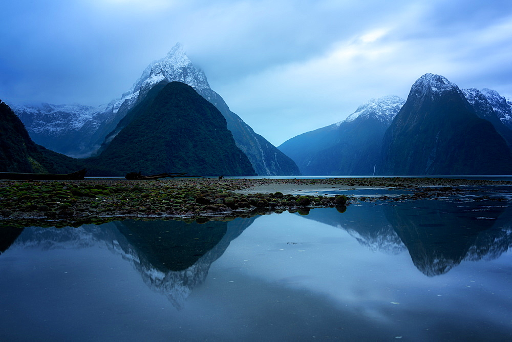 Milford Sound, Fiordland National Park, UNESCO World Heritage Site, South Island, New Zealand, Pacific - 1216-339