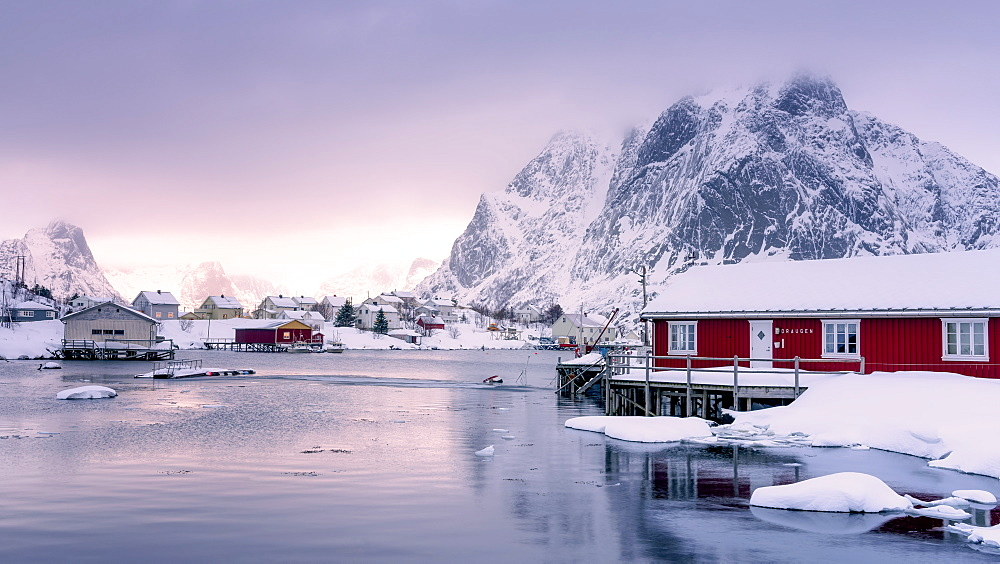 Traditional Rorbu, Reine, Lofoten Islands, Nordland, Norway, Europe