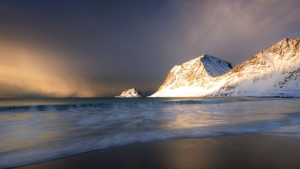 A dramatic Haukland Beach, Lofoten, Nordland, Norway, Europe