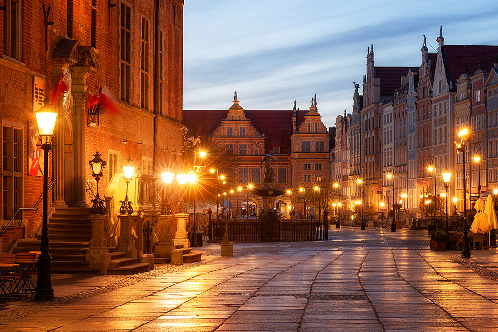 Dlugi Targ Street at night, Gdansk, Poland, Europe