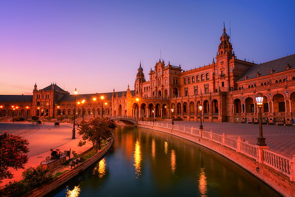 Plaza de Espana in Parque de Maria Luisa at night, Seville, Andalucia, Spain, Europe