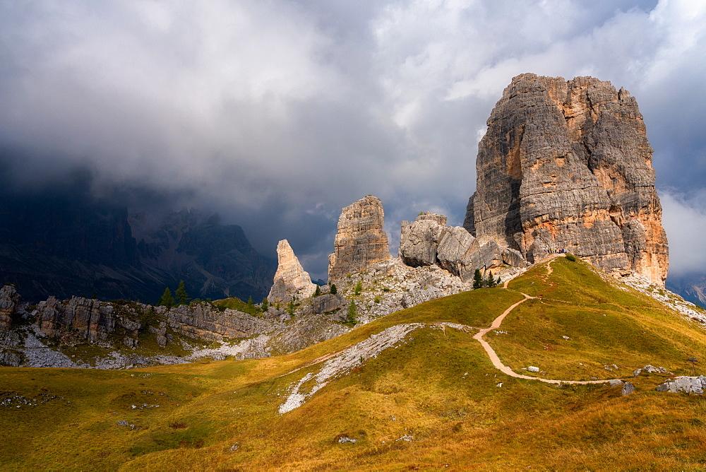 Cinque Torri, Belluno Province, Dolomites, Italy, Europe