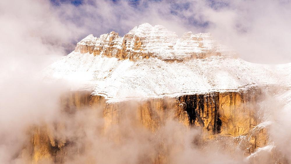 Winter arrives at Sass Pordoi, Passo Pordoi, Dolomites, Italy, Europe