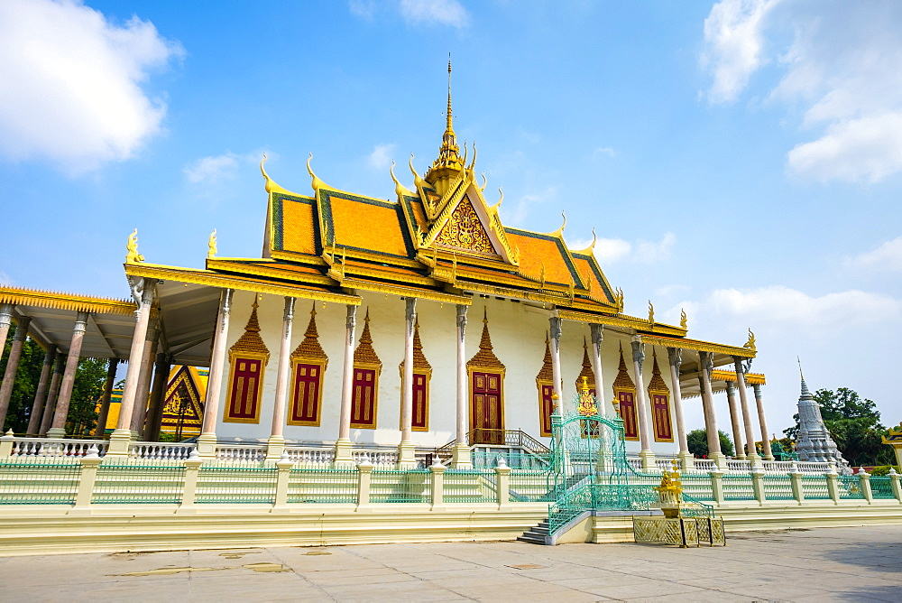 The Silver Pagoda (Wat Preah Keo Morakot), Royal Palace, Phnom Penh, Cambodia, Indochina, Southeast Asia, Asia