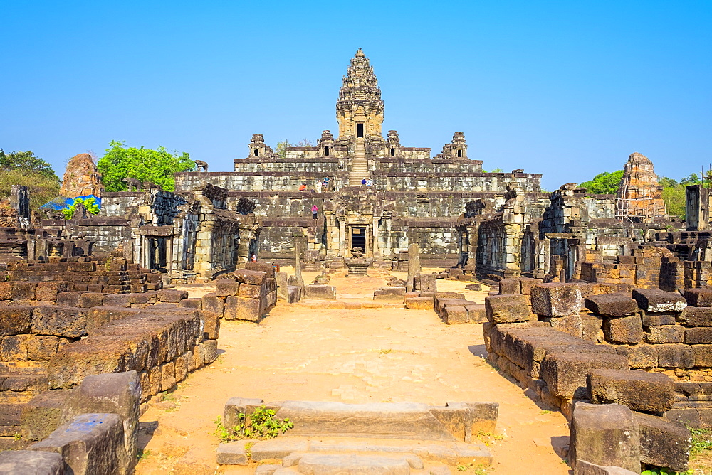 Prasat Bakong temple ruins, Roluos, UNESCO World Heritage Site, Siem Reap Province, Cambodia, Indochina, Southeast Asia, Asia