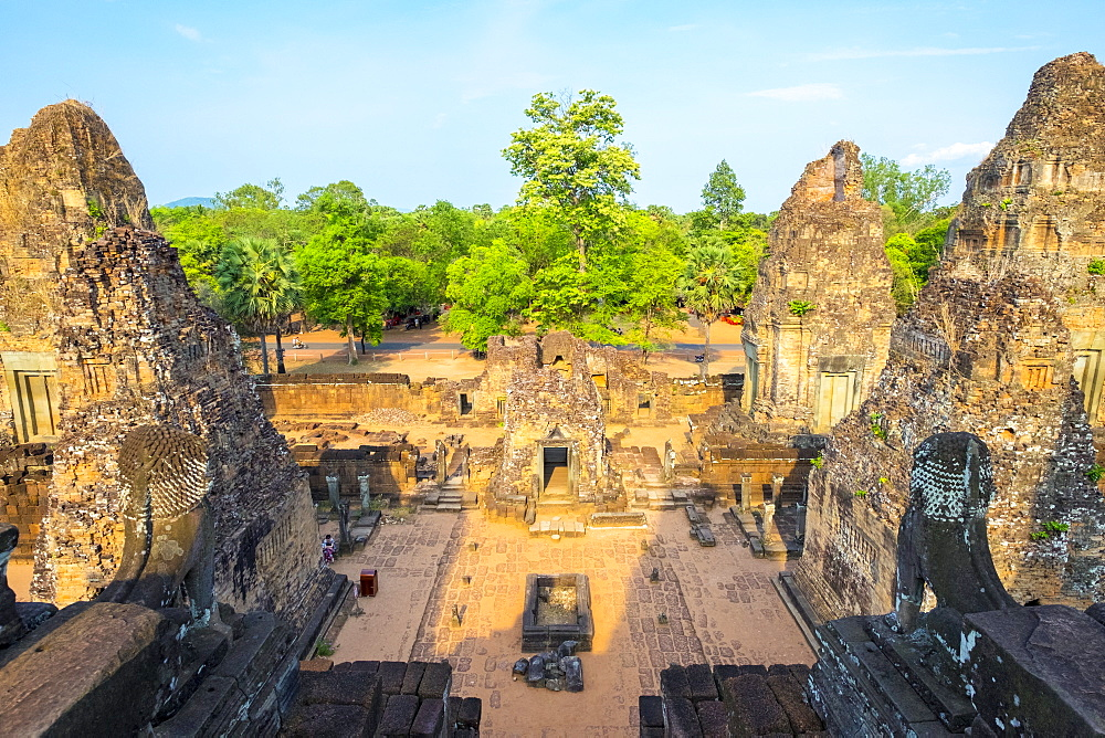 Pre Rup (Prae Roup) temple ruins, Angkor Archaeological Park, UNESCO World Heritage Site, Siem Reap Province, Cambodia, Indochina, Southeast Asia, Asia