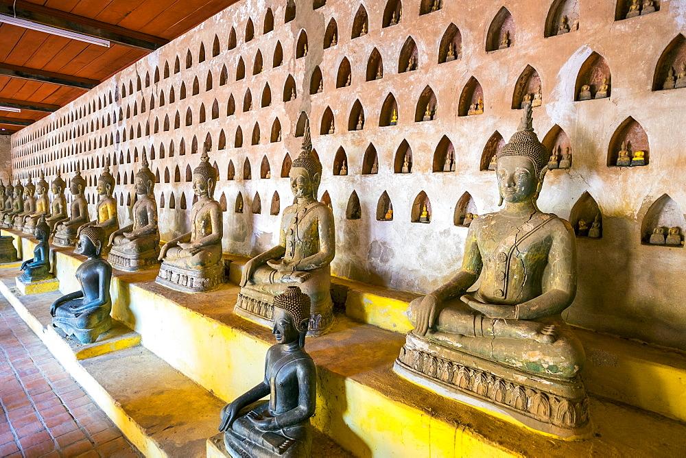 Buddha statues inside Wat Si Saket (Wat Sisaket) temple, Vientiane, Laos, Indochina, Southeast Asia, Asia