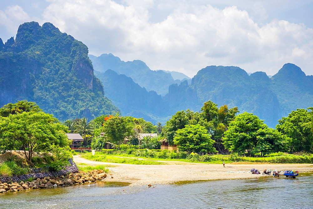Nam Song River and Karst landscape in Vang Vieng, Vientiane Province, Laos, Indochina, Southeast Asia, Asia