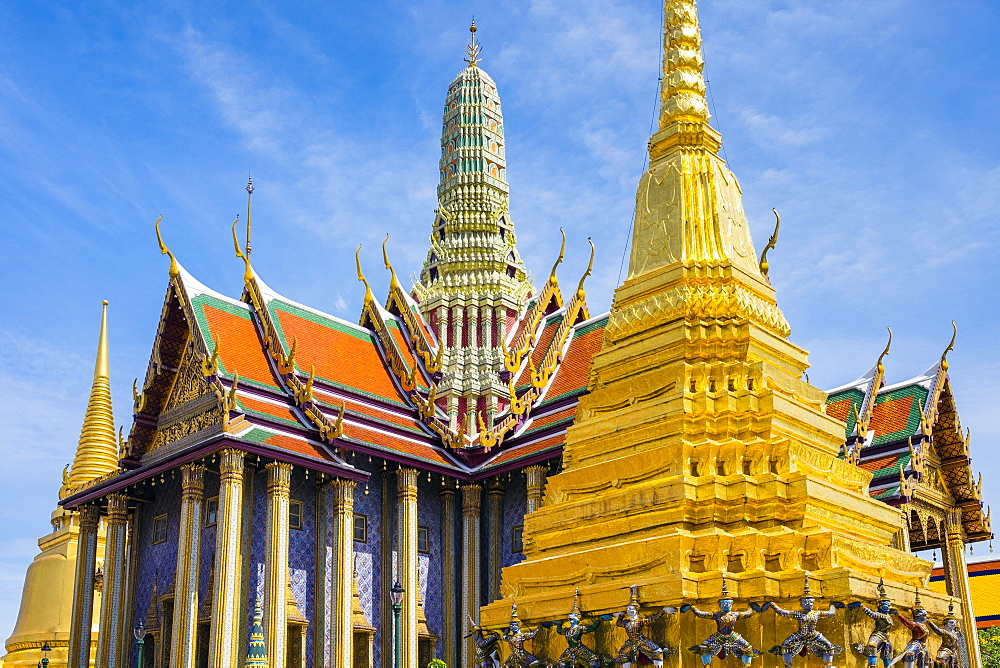 Prasat Phra Thep Bidon and Golden Stupa at Temple of the Emerald Buddha (Wat Phra Kaew), Grand Palace complex, Bangkok, Thailand, Southeast Asia, Asia
