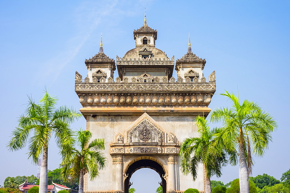 Patuxi (Victory Gate) monument, Vientiane, Laos, Indochina, Southeast Asia, Asia
