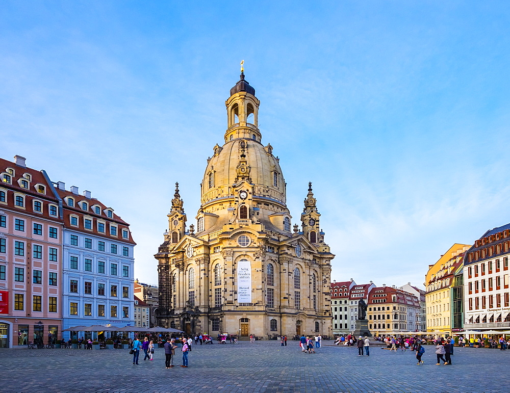 Germany, Saxony, Dresden, Altstadt (Old Town). Dresdner Frauenkirche (Church of Our Lady) and buildings on the Neumarkt.