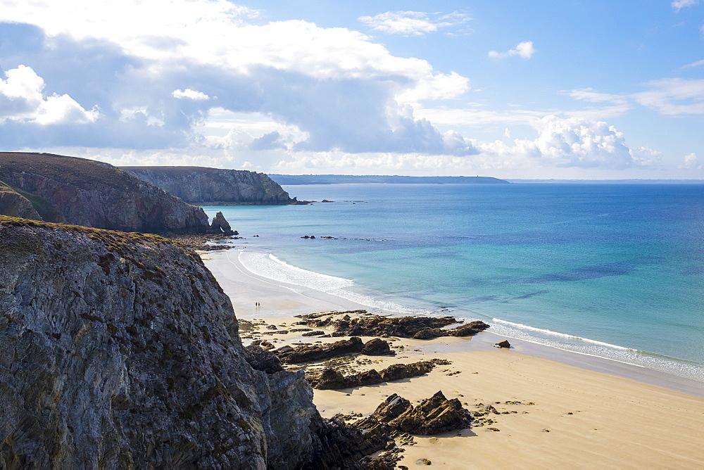 France, Brittany (Bretagne), Finistere. Pointe du Pen-Hir on the Presqu'ile de Crozon, Parc naturel regional d'Armorique.