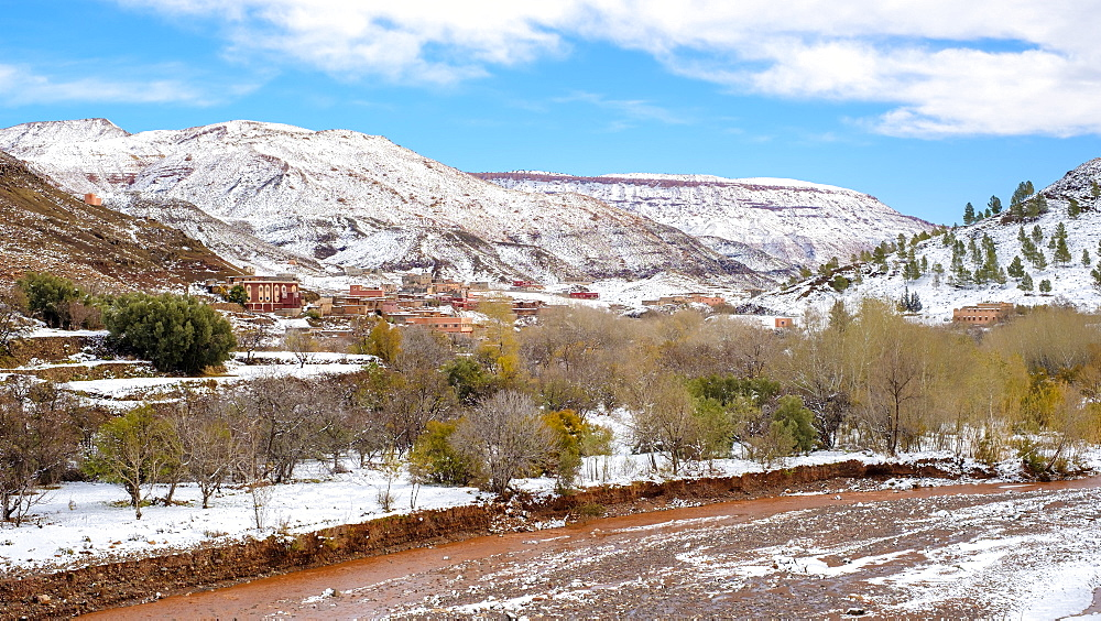 Small village in the Atlas Mountains after winter snow, Ouarzazate Province, Souss-Massa-Draa, Morocco, North Africa, Africa