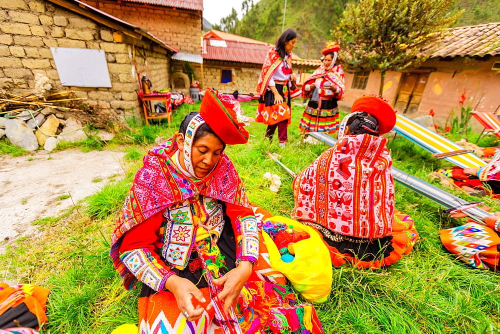 Huilloc community of weavers, Peru, South America