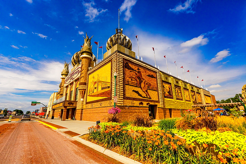 View of the exterior of the Corn Palace. - 1218-1368