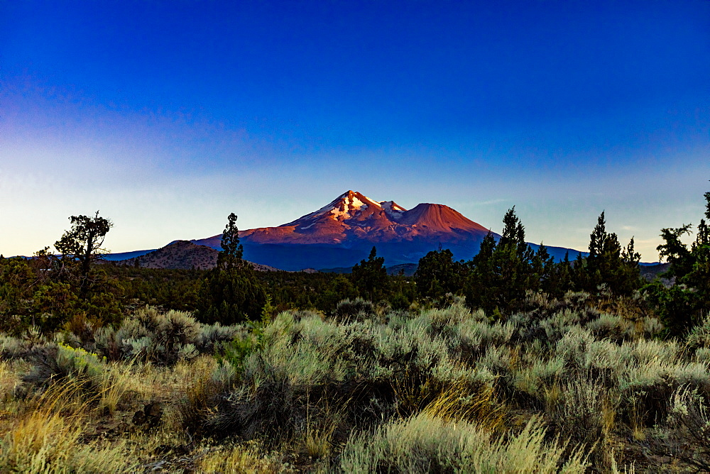 Beautiful view of Mount Shasta.