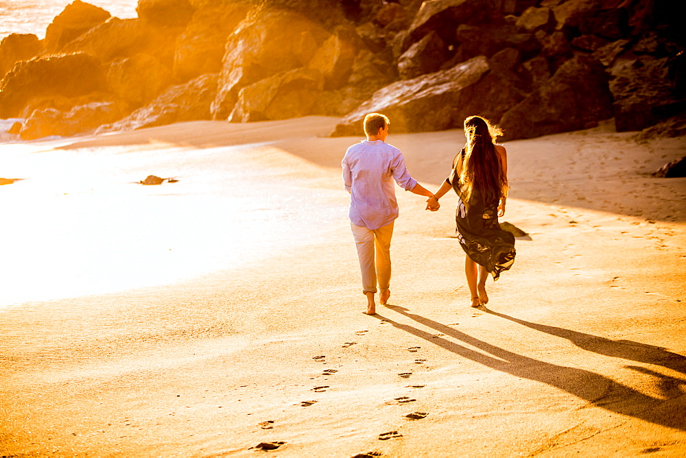 Young couple, Malibu, California, United States of America, North America - 1218-547