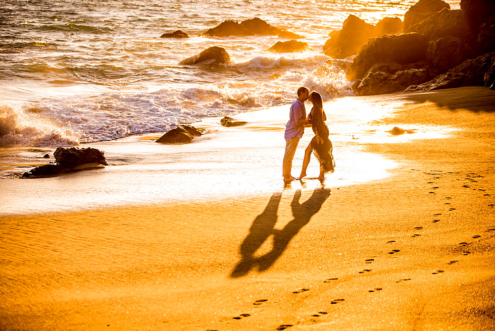 Young couple, Malibu, California, United States of America, North America - 1218-549