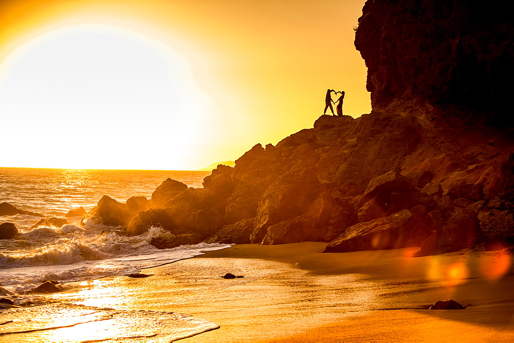 Young couple, Malibu, California, United States of America, North America - 1218-550