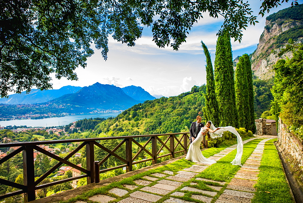 Couple Posing at the Castello di Rossino in Lake Como, Italy. - 1218-759