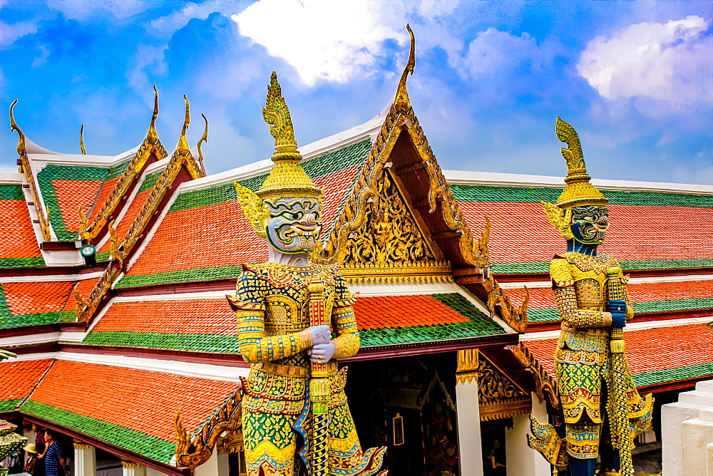 Detail of guardian statues, Grand Palace and Wat Phra Kaew (Temple of the Emerald Buddha) complex, Bangkok, Thailand, Southeast Asia, Asia