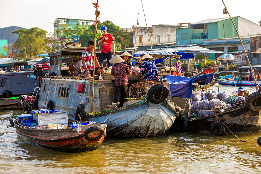 The floating market outside of Can Tho, Vietnam, Indochina, Southeast Asia, Asia