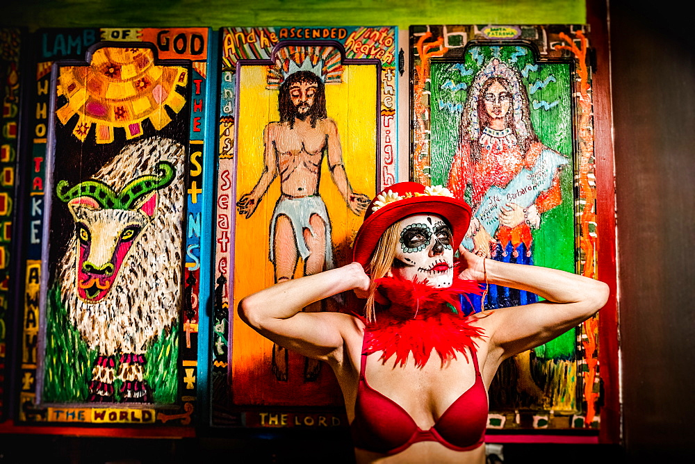 Woman in Dia de los Muertos makeup and costume, Day of the Dead celebration in the desert, California, United States of America, North America - 1218-913