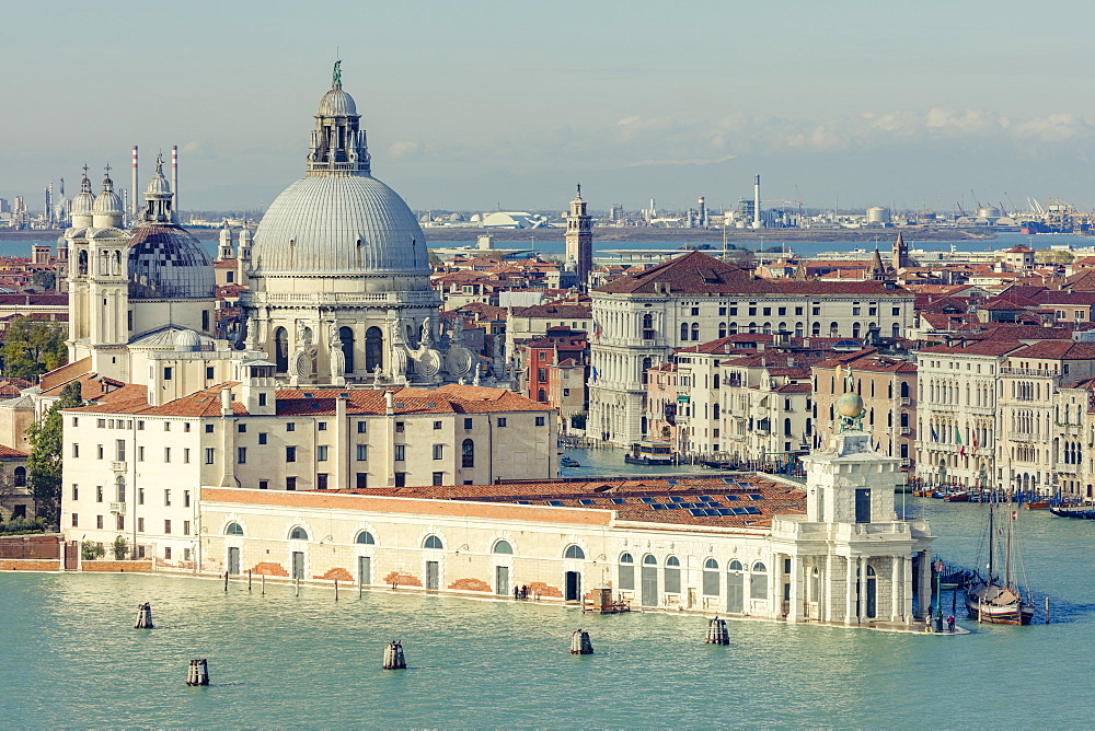 Punta della Dogana and Santa Maria della Salute standing at the meeting point of the Grand and Giudecca canals, Venice, UNESCO World Heritage Site, Veneto, Italy, Europe