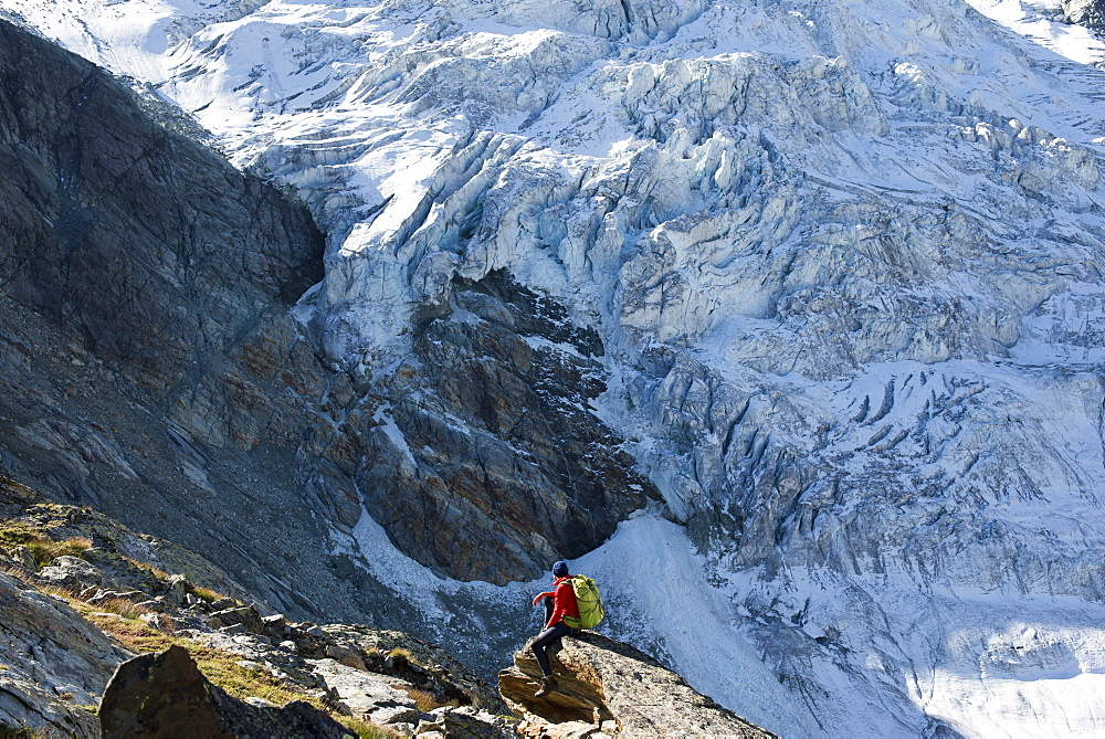 The classic Walkers Haute Route from Chamonix to Zermatt in the Swiss Alps - 1225-1272