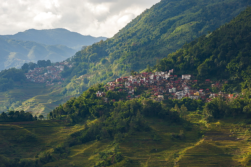 A remote village in the Yunnan province of China near the Yuanyang rice terraces, Yunnan Province, China, Asia