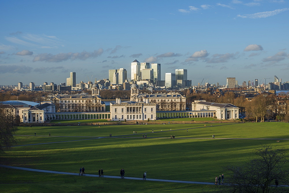 Looking towards Canary Wharf and the Isle of Dogs, Docklands, from the Royal Observatory in Greenwich, London, England, United Kingdom, Europe