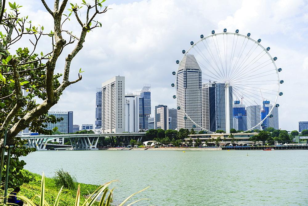 The Singapore Flyer ferris wheel, Marina Bay, Singapore, Southeast Asia, Asia