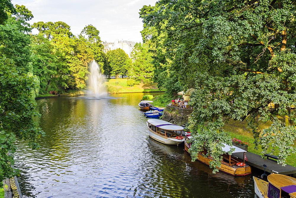 Riga Canal, Bastejkalna Parks, Riga, Latvia, Europe
