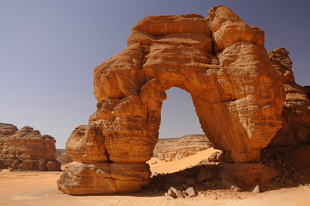 Forzhaga Natural Arch in Akakus Mountains, Sahara Desert, Libya, North Africa, Africa
