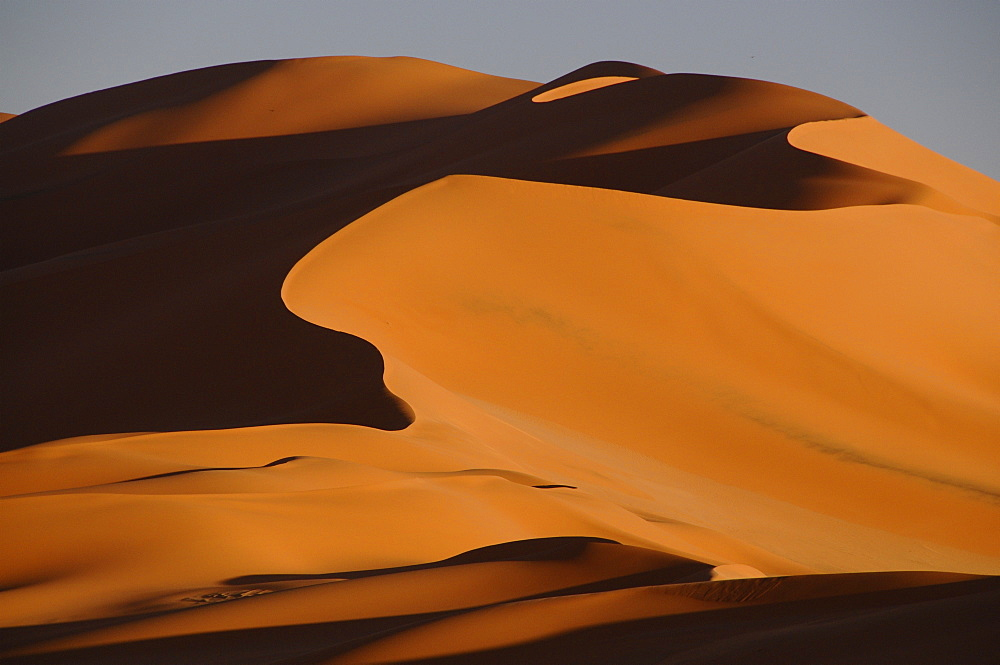 Sand dunes at sunset in the Sahara Desert, Libya, North Africa, Africa