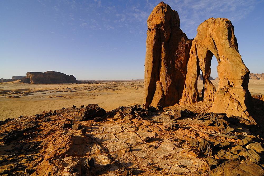 D'Anoa natural arch, Sahara desert, Ennedi, Chad, Africa - 1235-9