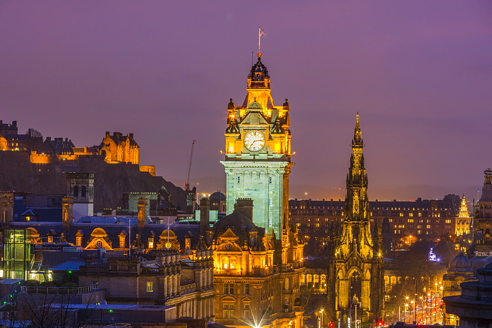 Edinburgh at dusk, UNESCO World Heritage Site, Edinburgh, Scotland, United Kingdom, Europe