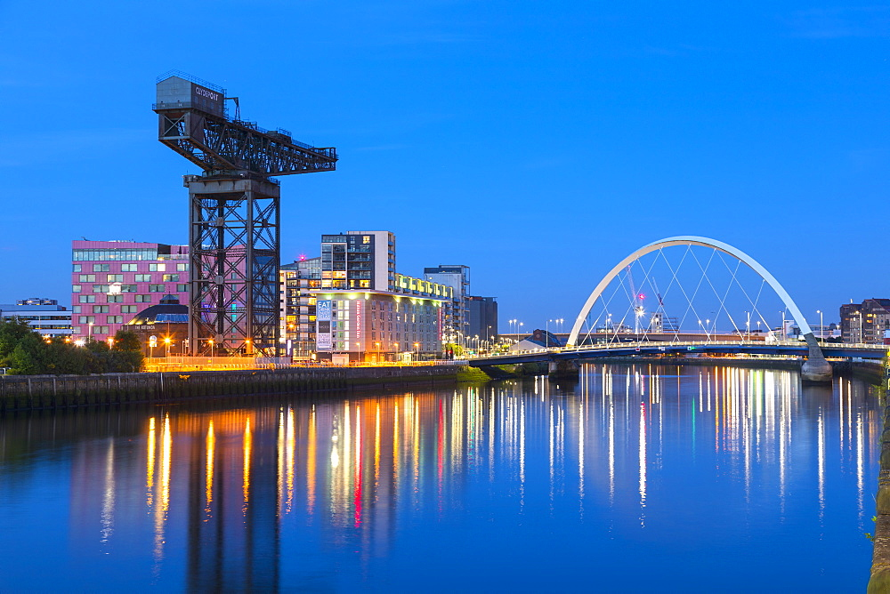 Finnieston Crane and Clyde Arc Bridge, River Clyde, Glasgow, Scotland, United Kingdom, Europe