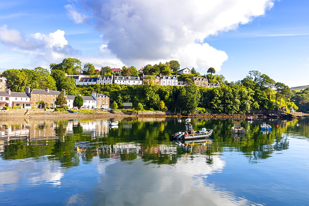 Portree Harbour, Isle of Skye, Inner Hebrides, Highlands and Islands, Scotland, United Kingdom, Europe - 1237-366