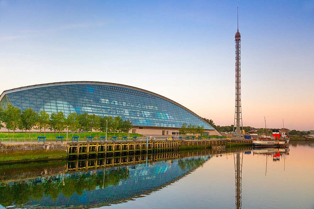 Science centre, Glasgow Tower, PS Waverley, River Clyde, Glasgow, Scotland, United Kingdom, Europe - 1237-392