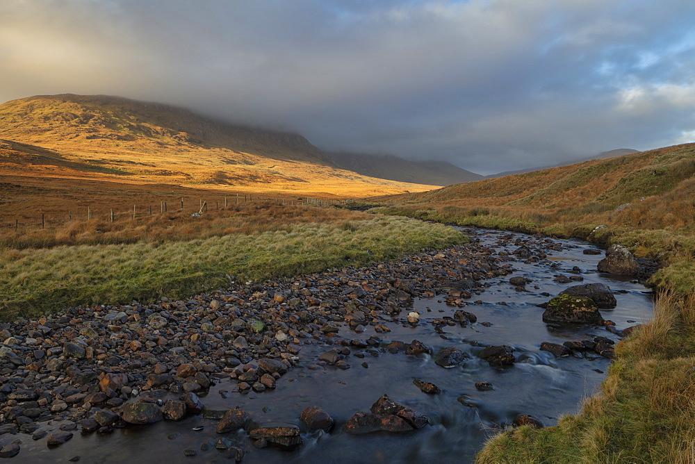 Maumturk Mountains, Connemara, County Galway, Connacht, Republic of Ireland, Europe - 1240-296