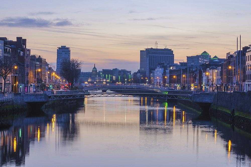 The Liffey River, Dublin, Republic of Ireland, Europe