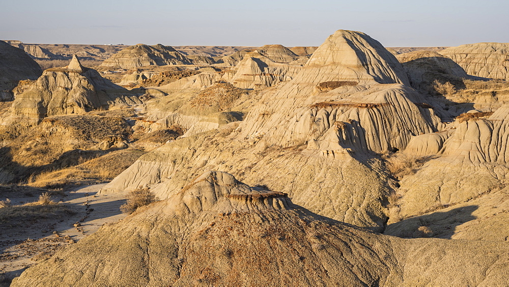 Rock formations and hoodoos in Dinosaur Provincial Park, UNESCO World Heritage Site, Alberta Badlands, Alberta, Canada, North America - 1241-128