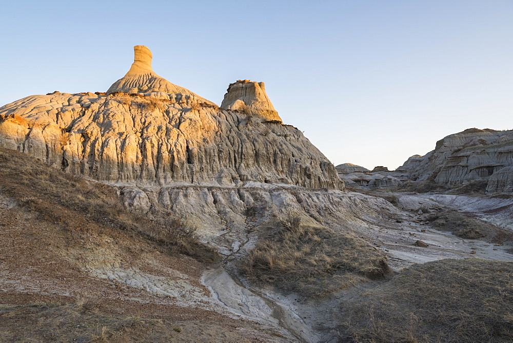 Rock formations and hoodoos in Dinosaur Provincial Park, UNESCO World Heritage Site, Alberta Badlands, Alberta, Canada, North America - 1241-129