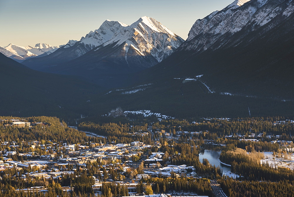 Banff townsite with Sundance Peak in evening light, Banff, Alberta, Canada, North America - 1241-153